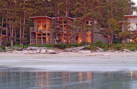 Villas onthe beach at Pacific Sands / Photo: Bob Herger